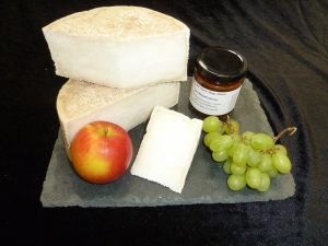 Nantwich 2012 Gold Award Winner: Natural Rinded Mature Goat